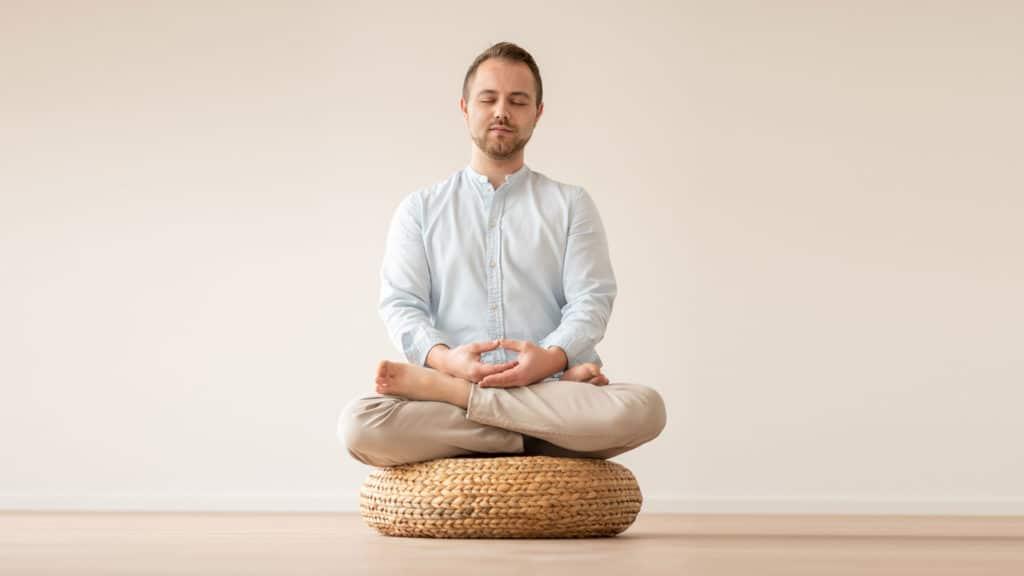 Tim Vogt Meditation Schneidersitz